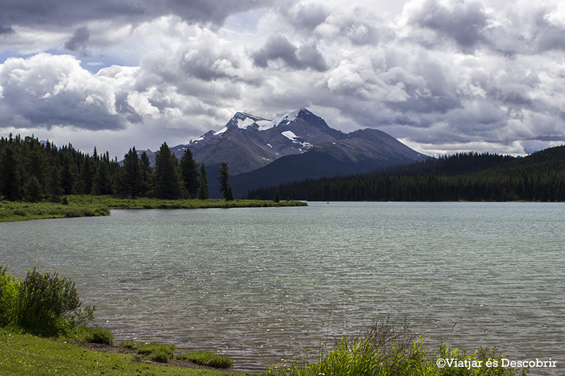 El Maligne Lake.