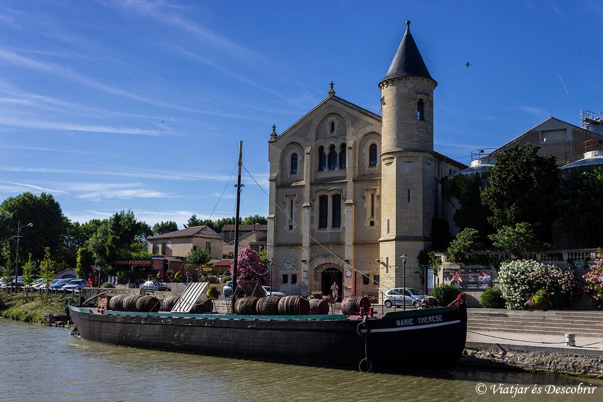 barcos en el canal du midi