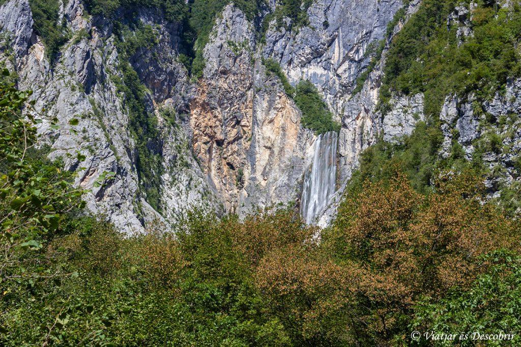 la cascada boka es una de las mejores cascades de eslovenia
