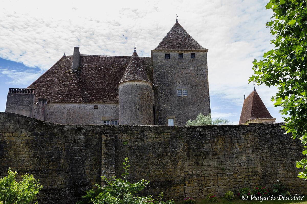 castillo cerca de la reole