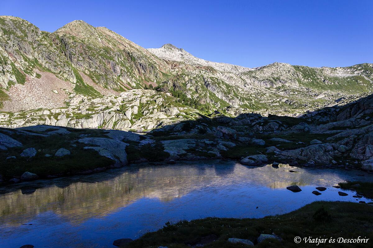lago en el alt pirineu