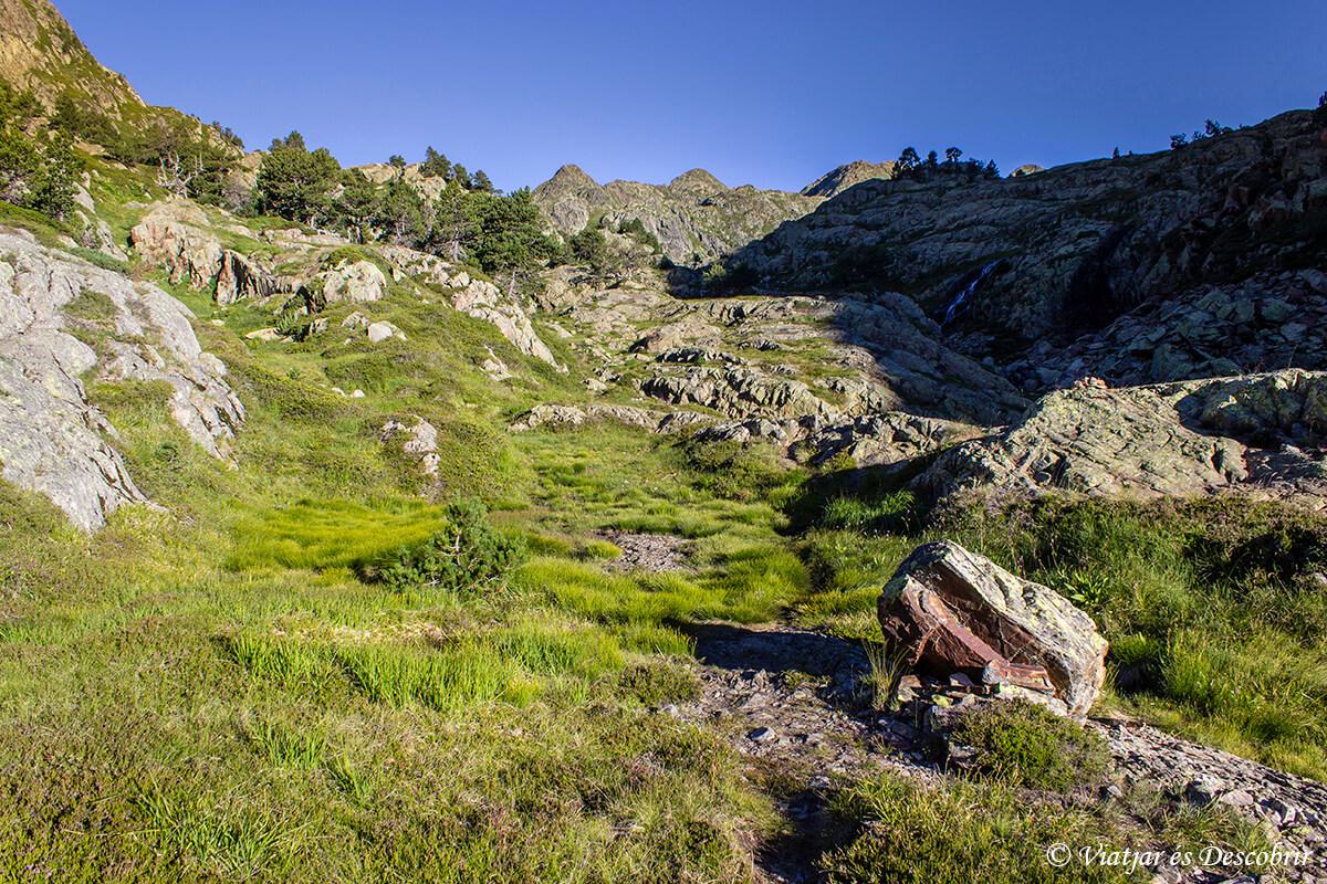 paisajes de la ruta muntanyes de llibertat cerca de certascan