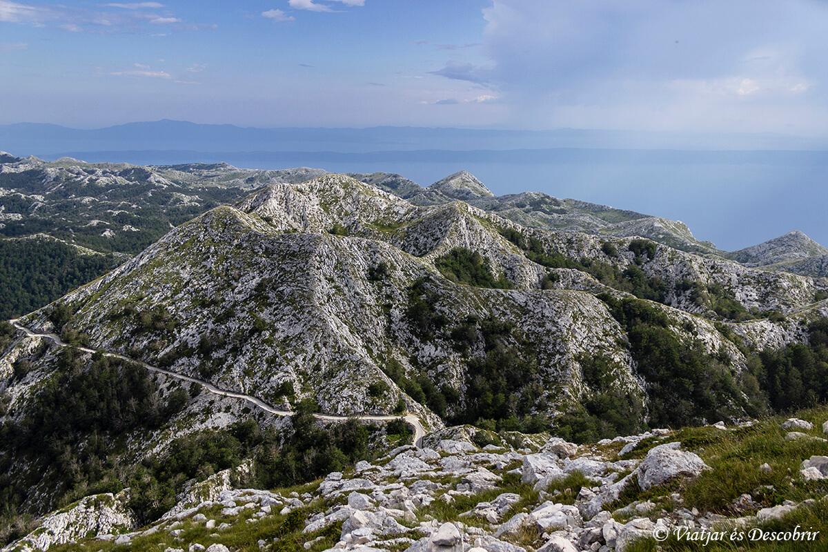 panoramica de la costa de croacia cerca de split