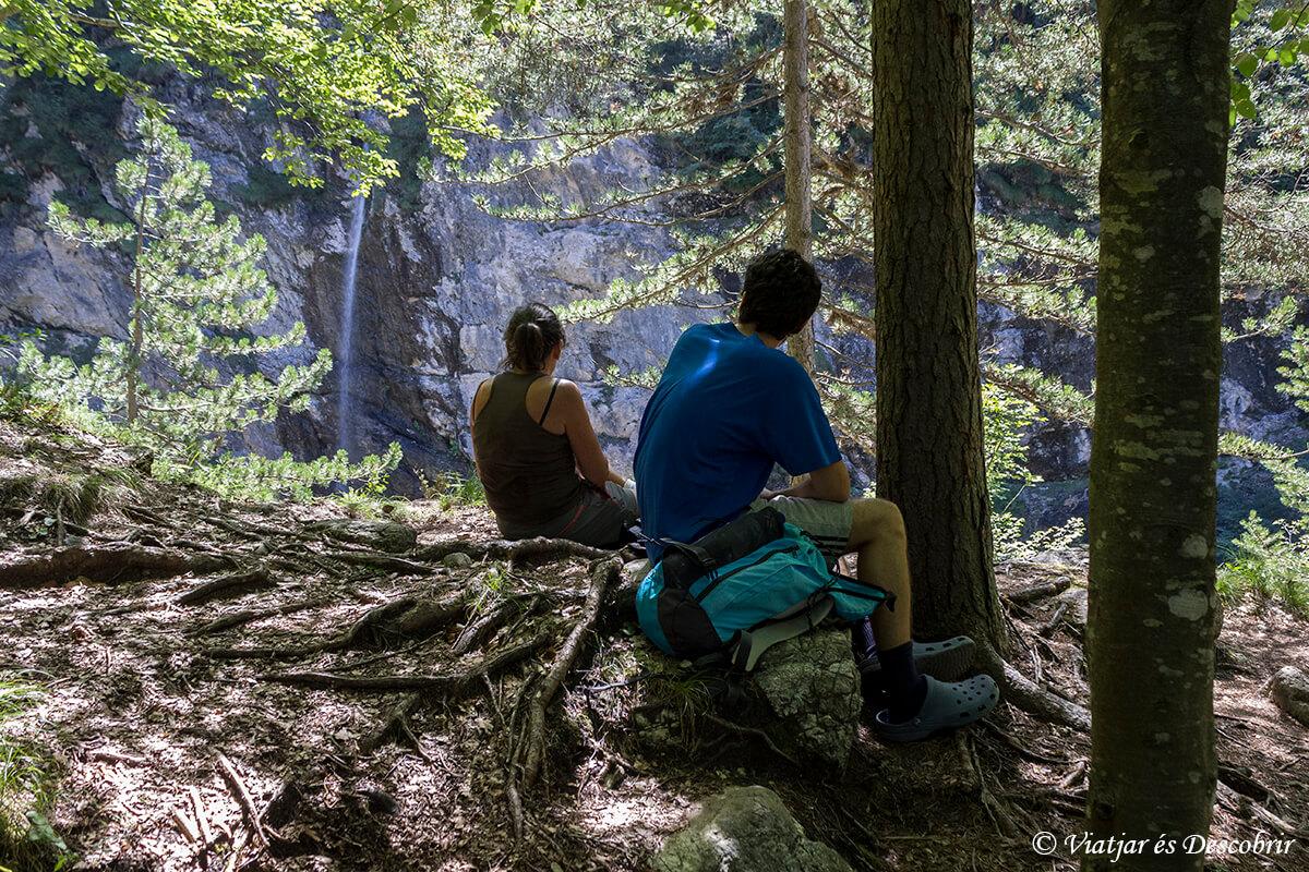 picnic en medio de la naturaleza de la valle del rio soca