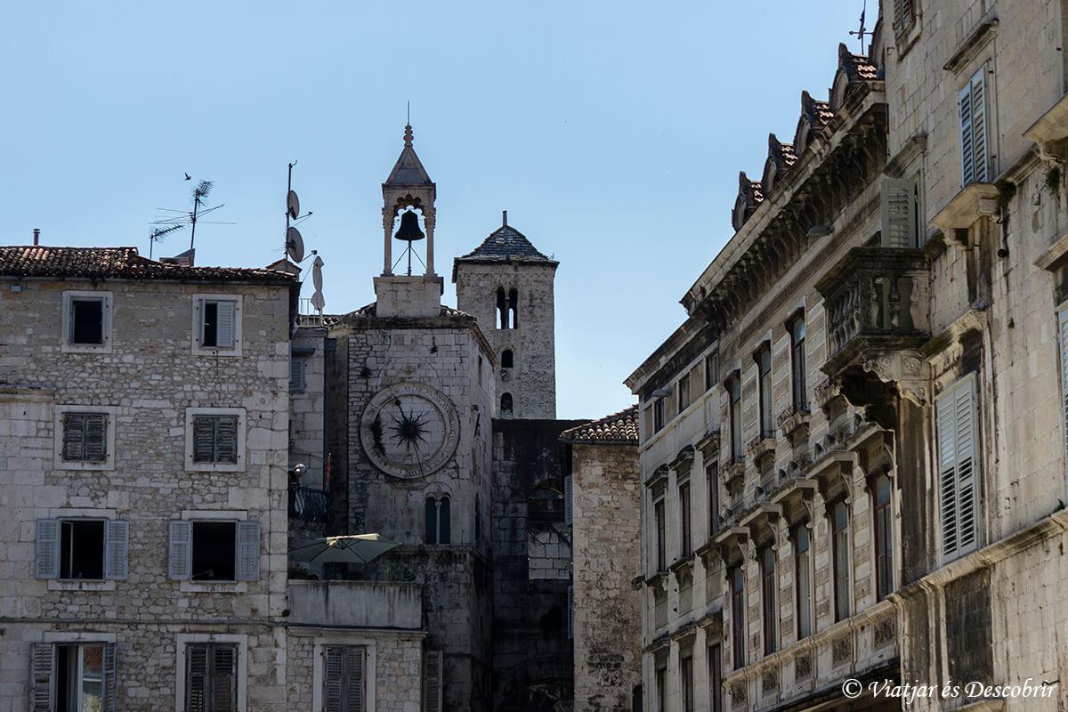 ka puerta de hierro de la ciudad de split en croacia