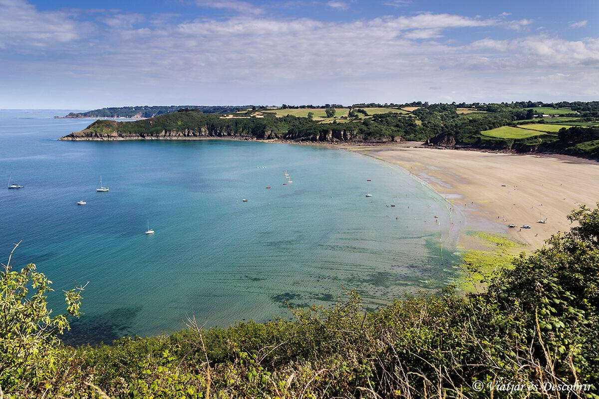 vista panoramica de la costa de la bretaña francesa