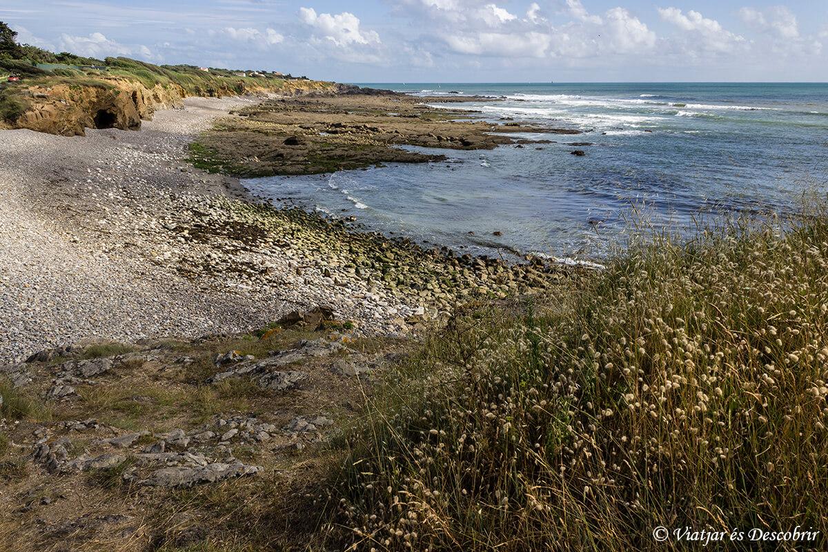 baie de cayol con marea alta