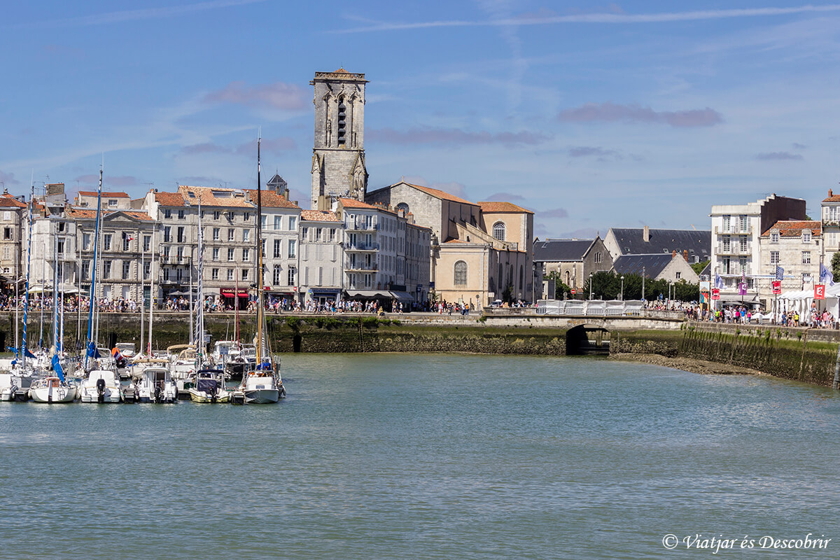 ciudad de la rochelle en la costa atlantica francesa en bicicleta
