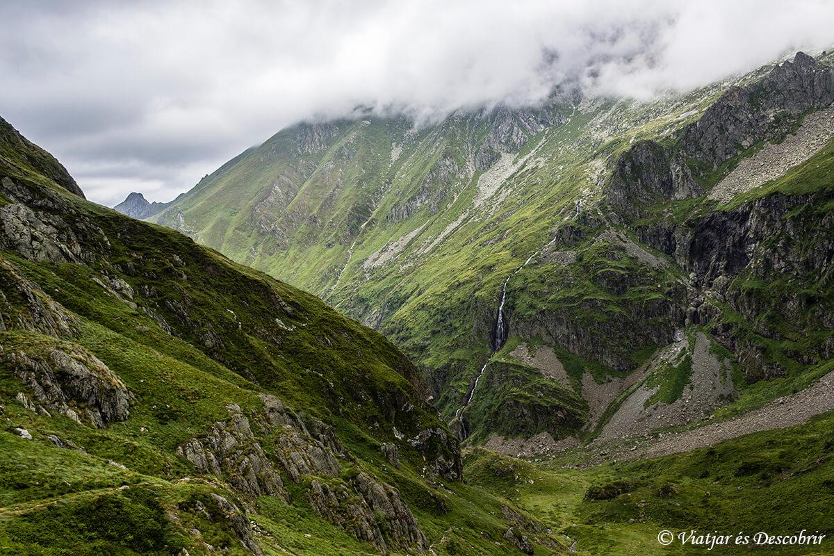 senderismo en los pirineos franceses cuarta etapa muntanyes llibertat