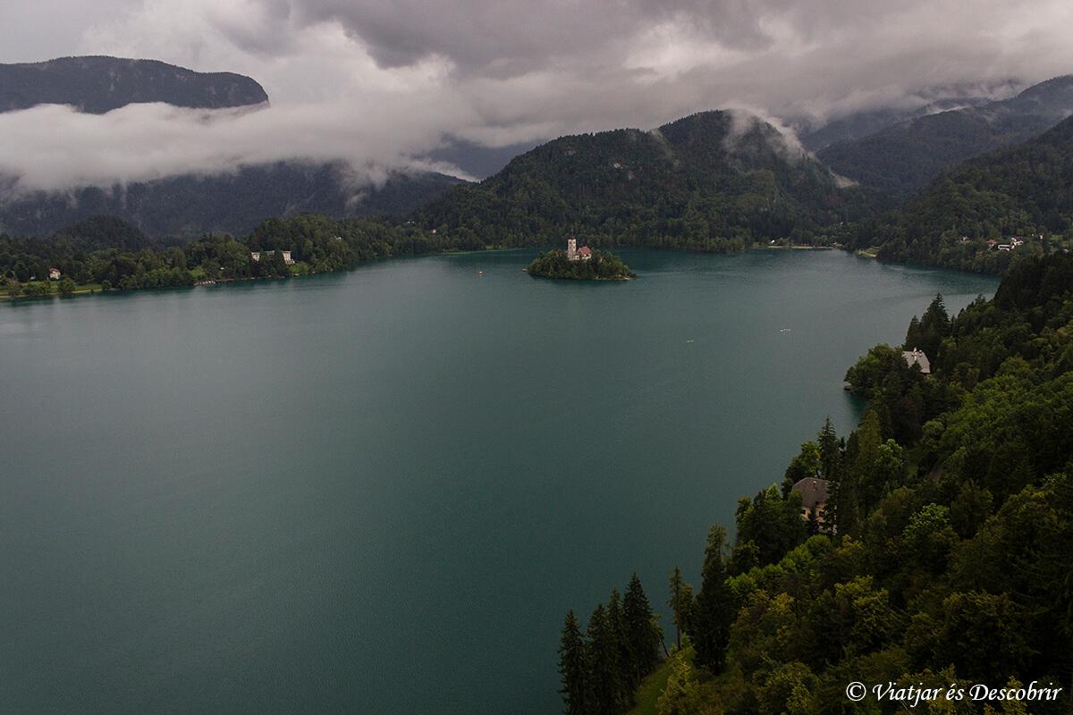 vista panoramica del lago bled des del castillo