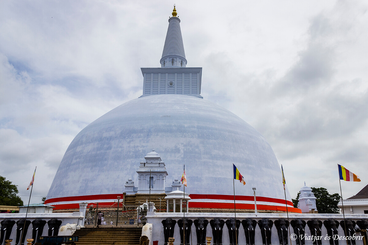 dagobas de anuradhapura