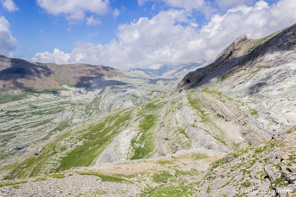 paisaje rocoso del parque nacional de ordesa y monte perdido