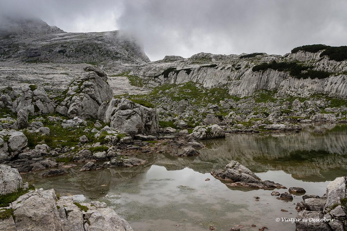 lagos del valle del parque nacional triglav