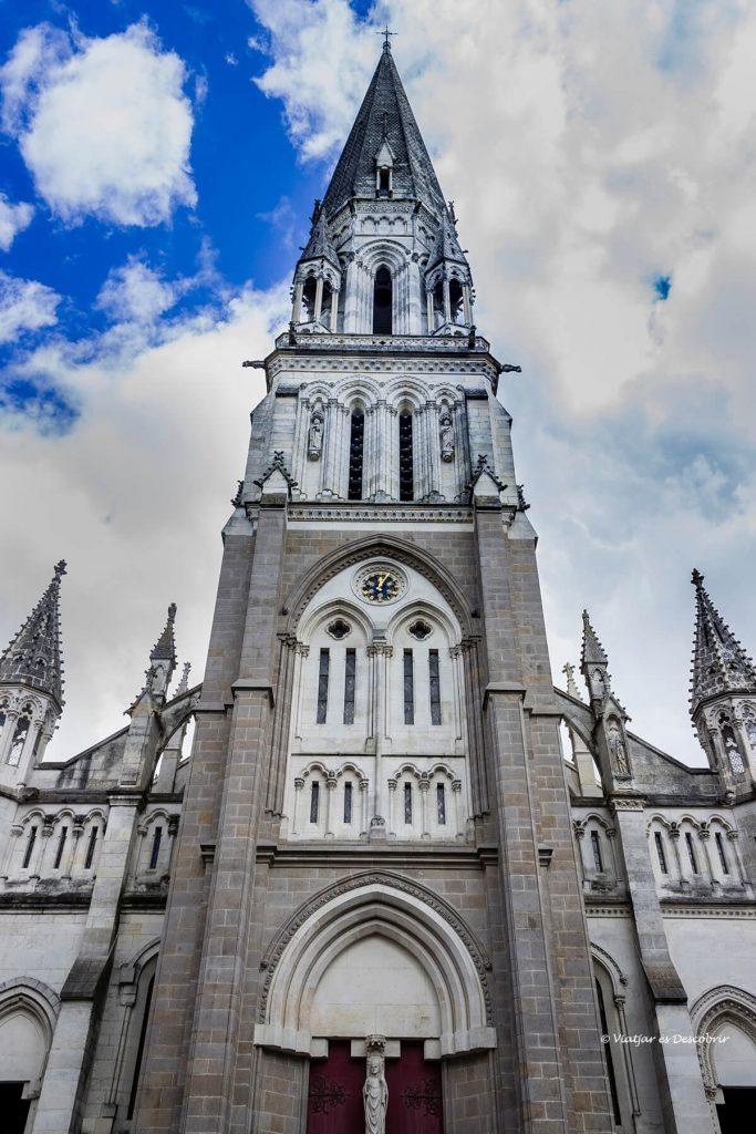 las iglesias son uno de los atractivos de nantes