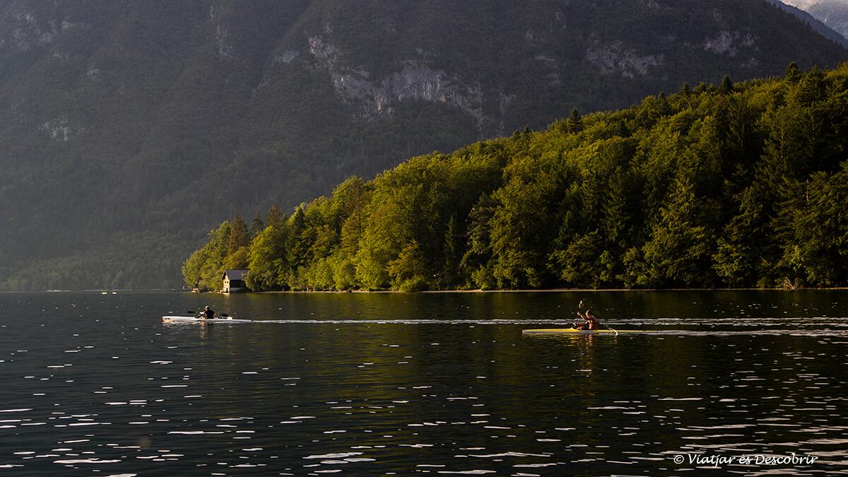 kayak en el lago bohinj