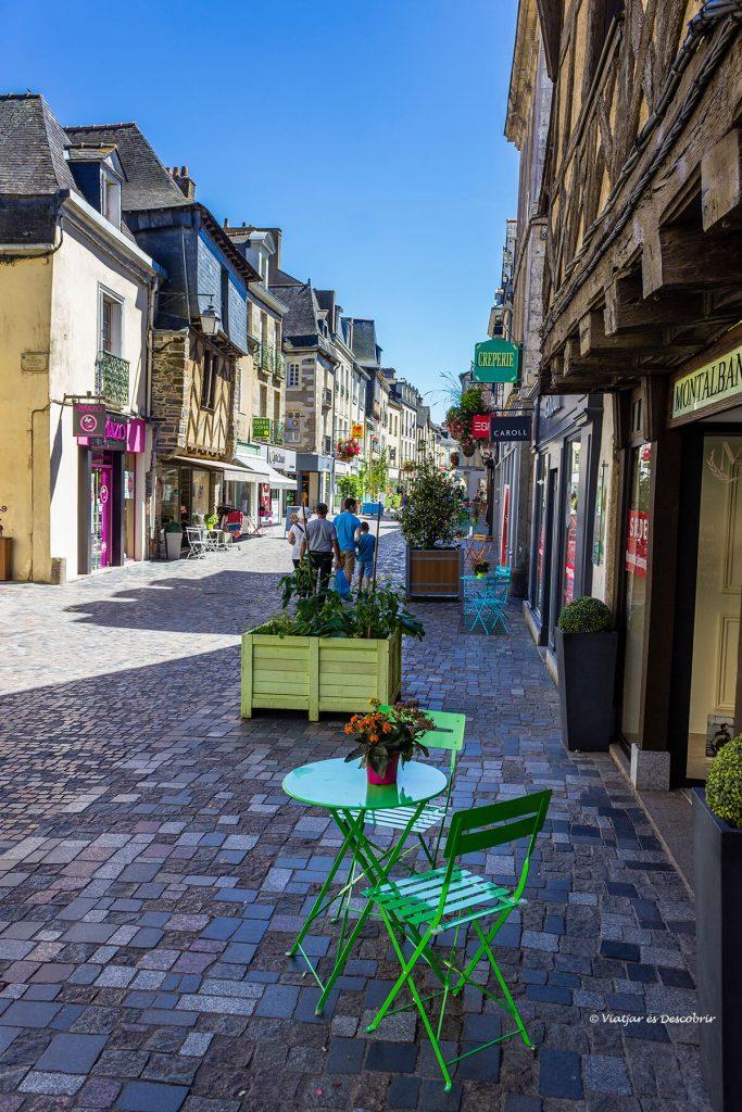 calles tranquilas en el interior de la bretaña francesa