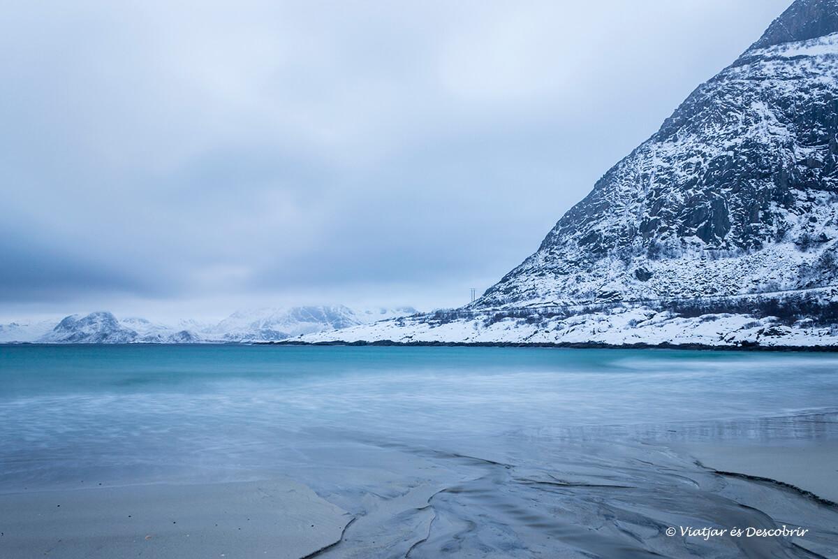 playas espectaculares durante el viaje a las islas lofoten
