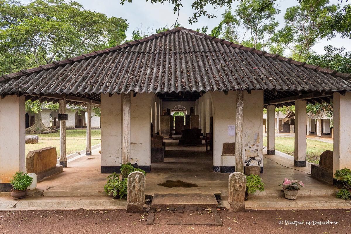 edificio del museo arquelogico de anuradhapura