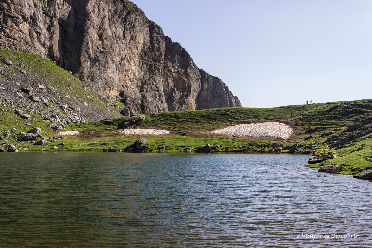senderismo por los lagos de ayous