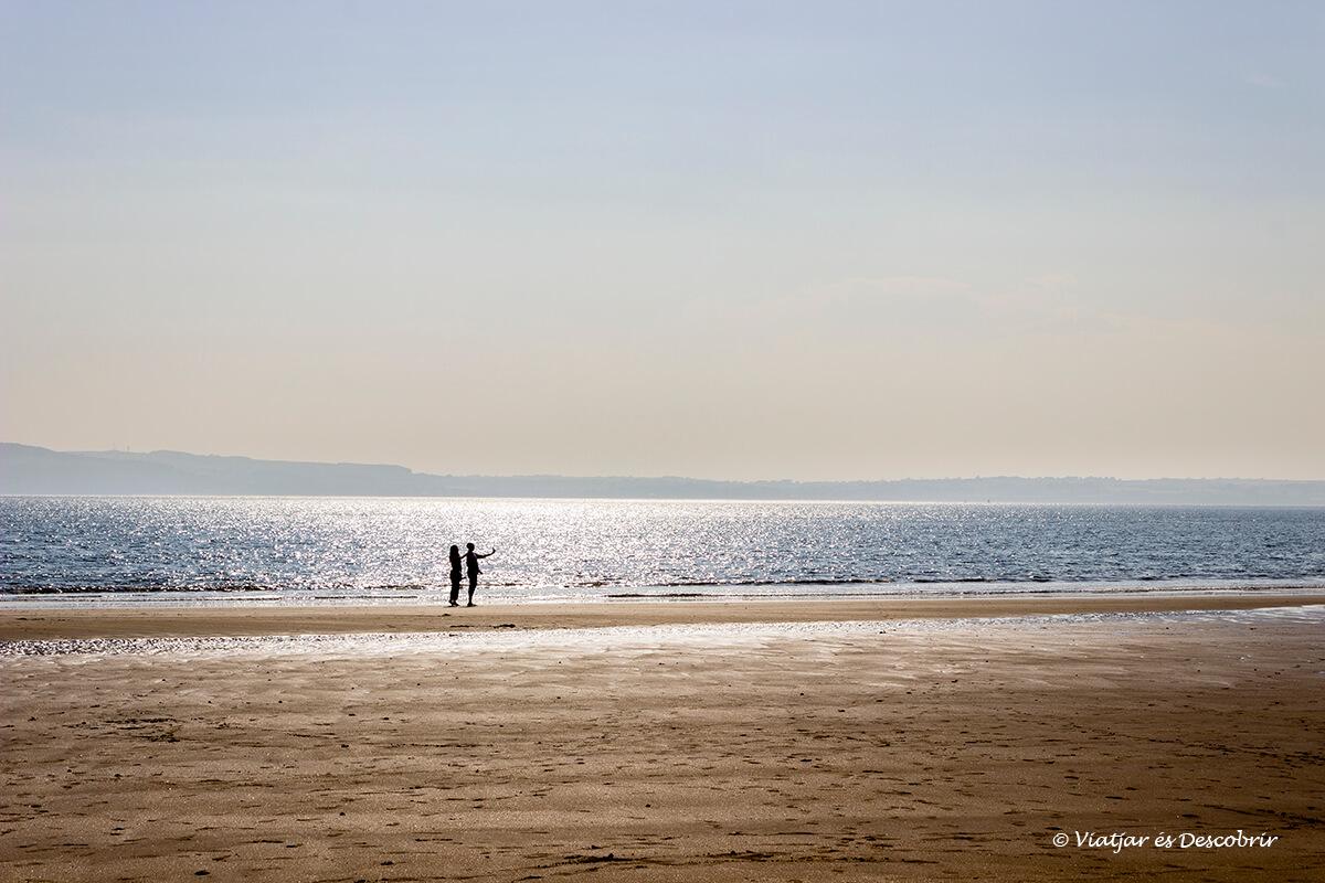 playa tipica durante el viaje a irlanda