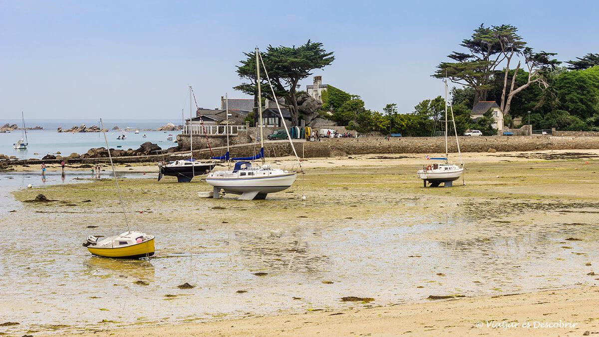 la playa de Brignogan-Plage sin marea