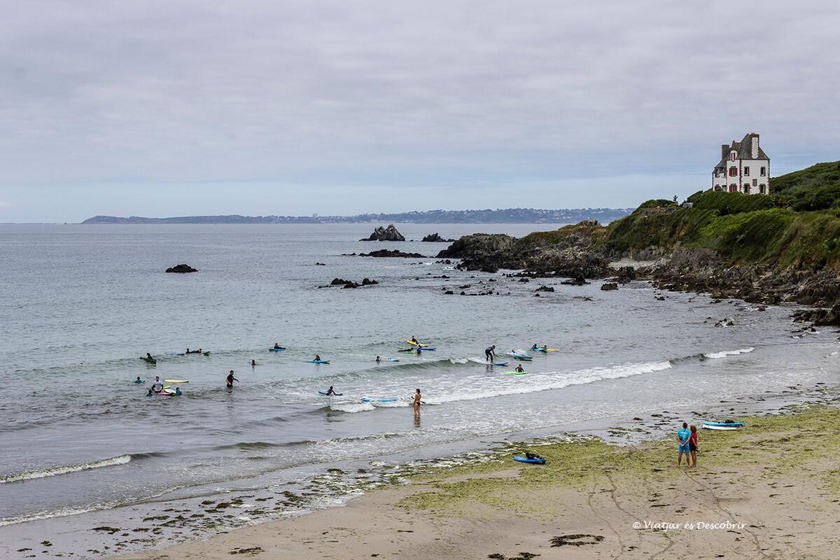 surfistas en la Trégastei