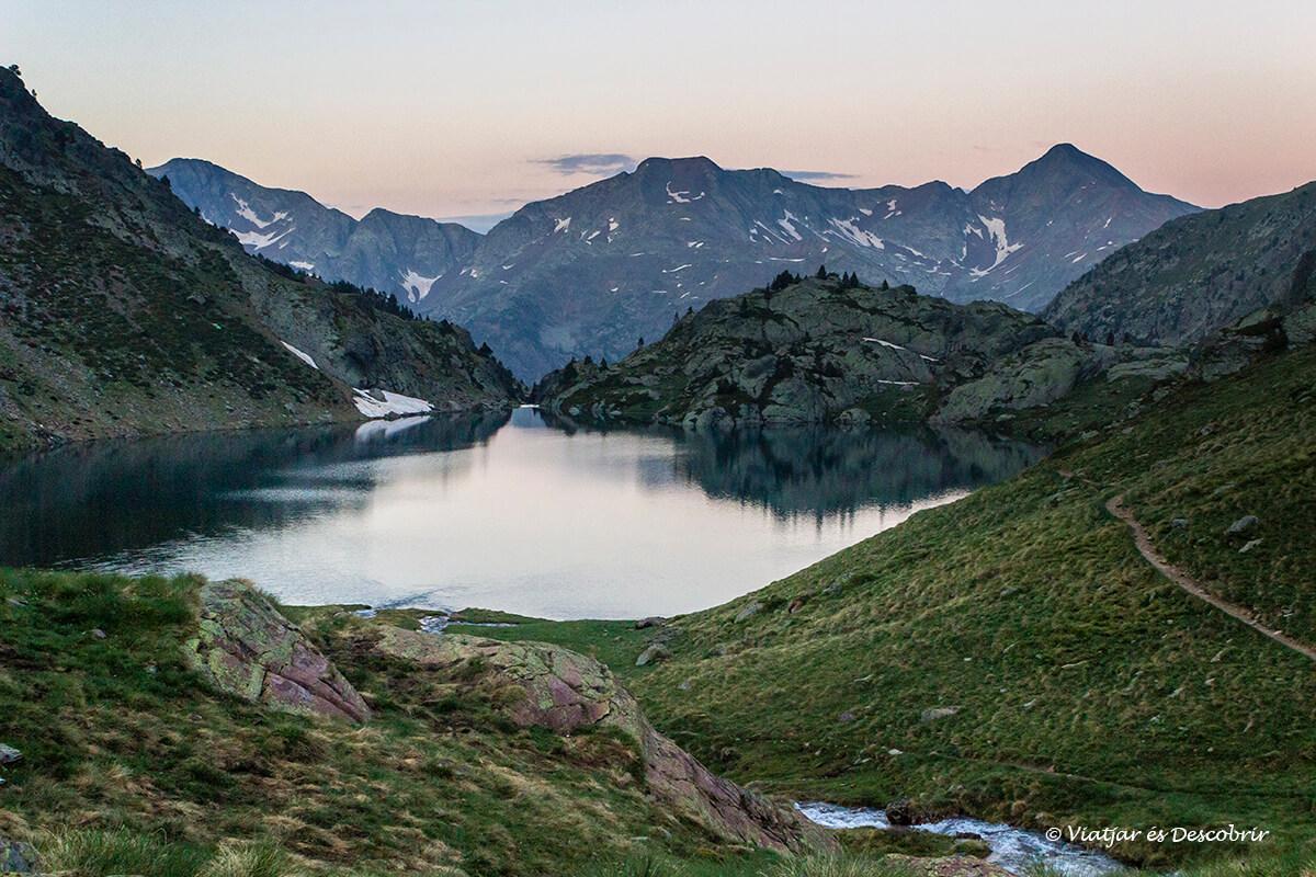 lago duranta la subida a la pica d'estats desde la vallfarrera