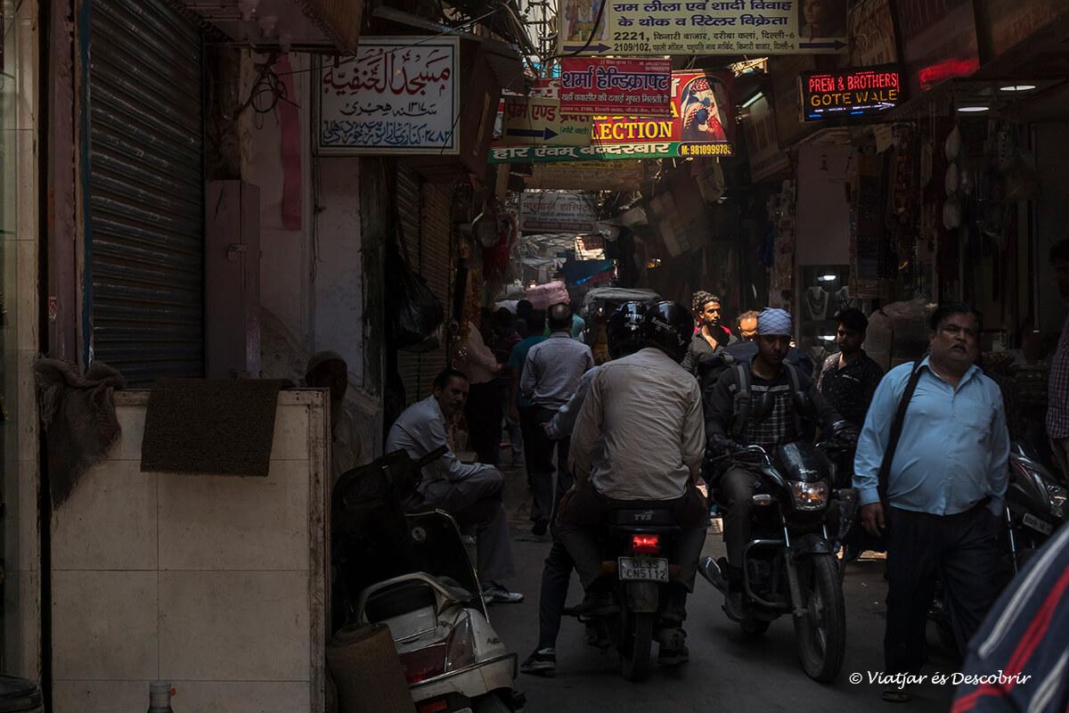 el caos más grande del viaje a la india lo viví old delhi