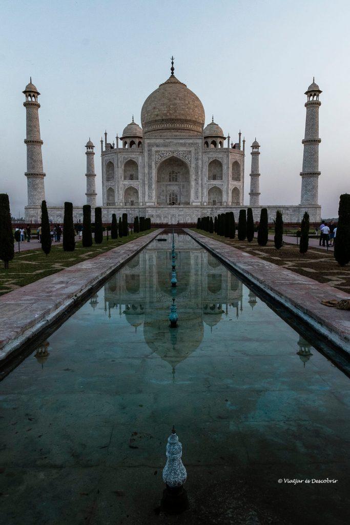 el taj mahal no podía faltar a la planificación del viaje a la india en 16 días