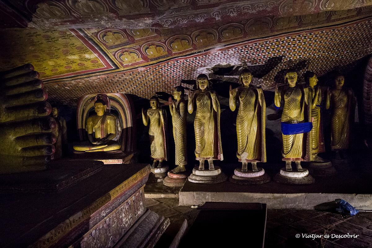 El Buda de Aukana y las Cuevas de Dambulla