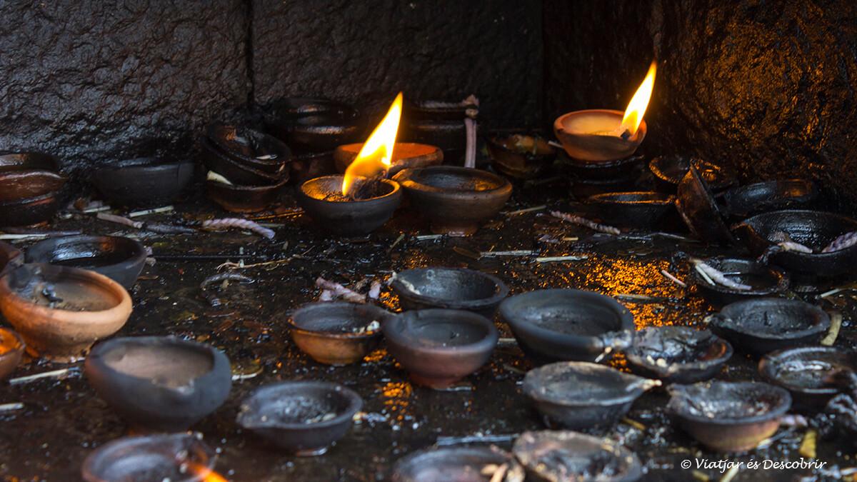 ruta sri lanka por el buda Aukana y las cuevas Dambulla