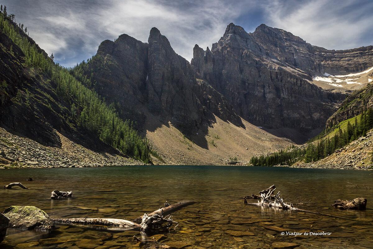 lago agnes en verano
