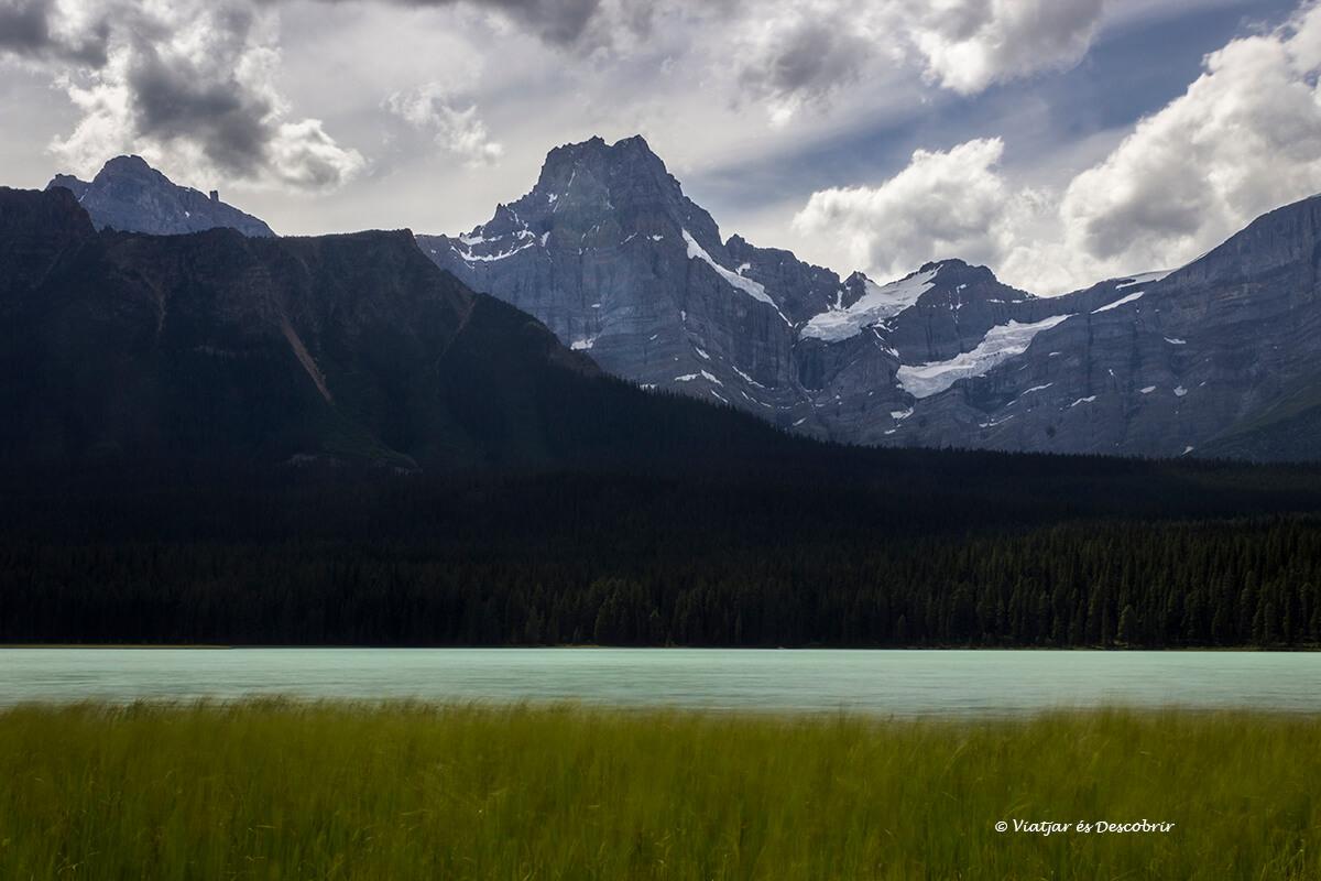 lago poco conocido que ver en banff en la icefield parkway