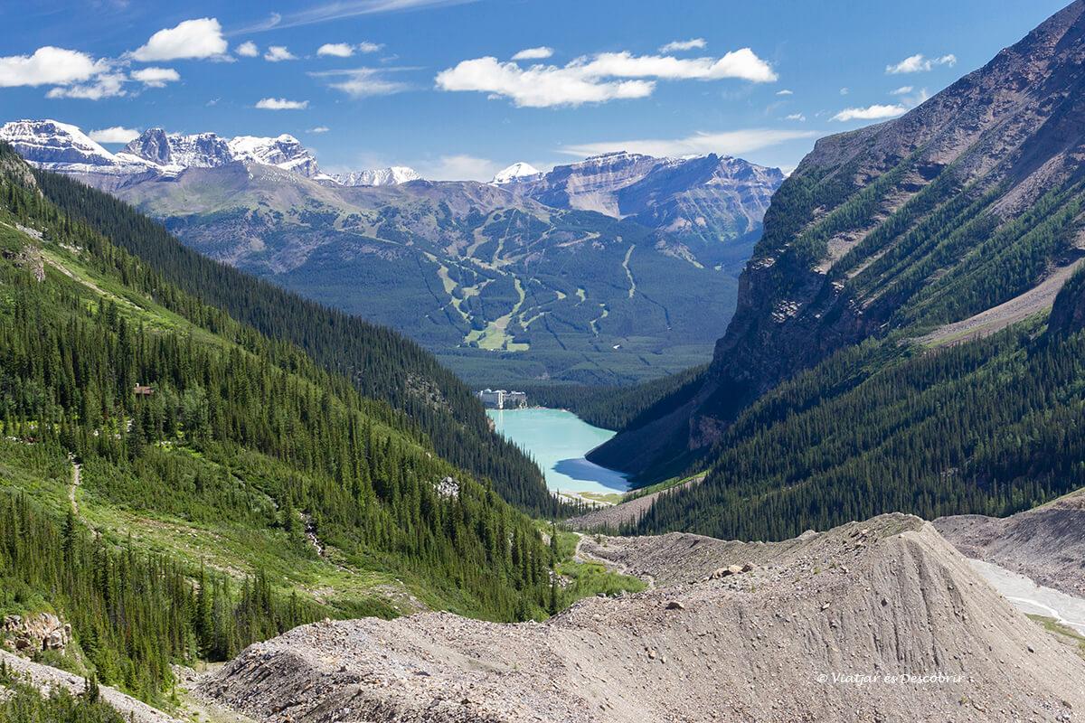 panoramica del lake louise en el parque nacional banff