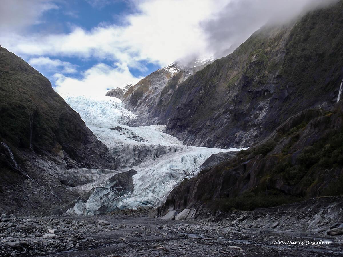 glaciar en la isla sud de nueva zelanda