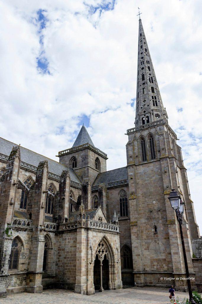 catedral tregier litoral bretaña francesa bicicleta