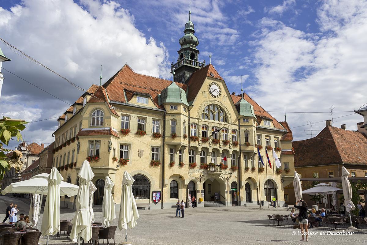 edificio histórico en el centro de Ptuj en Eslovenia