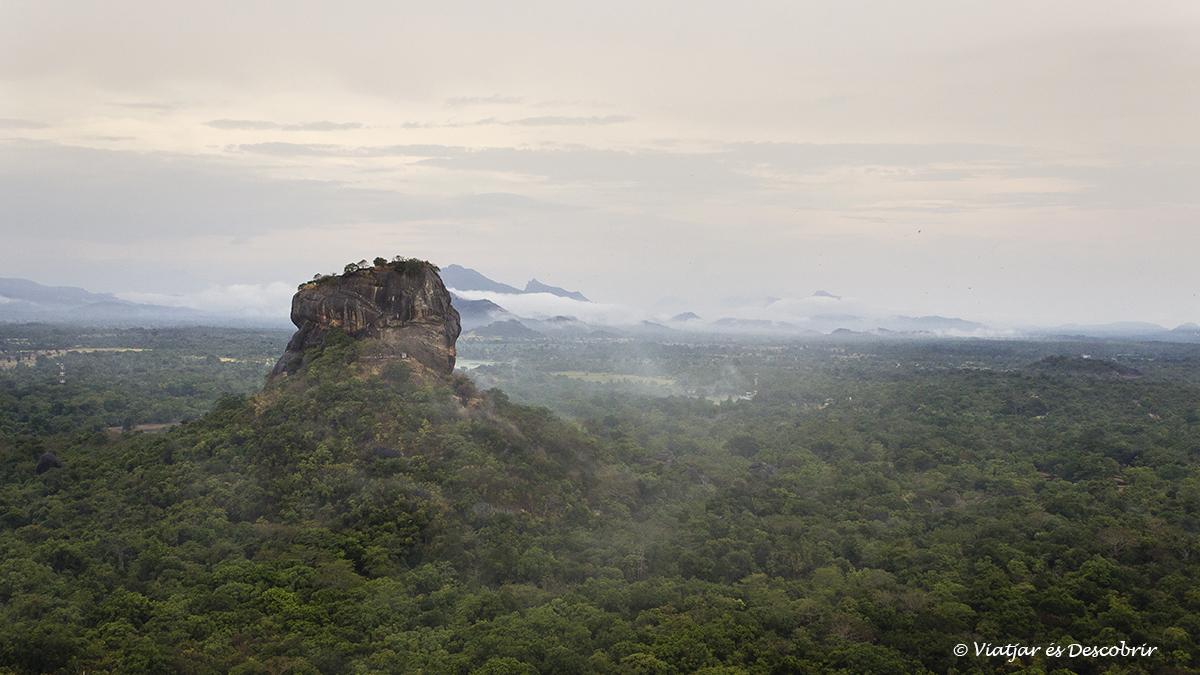 panoramica de sigiriya des de pidurangala