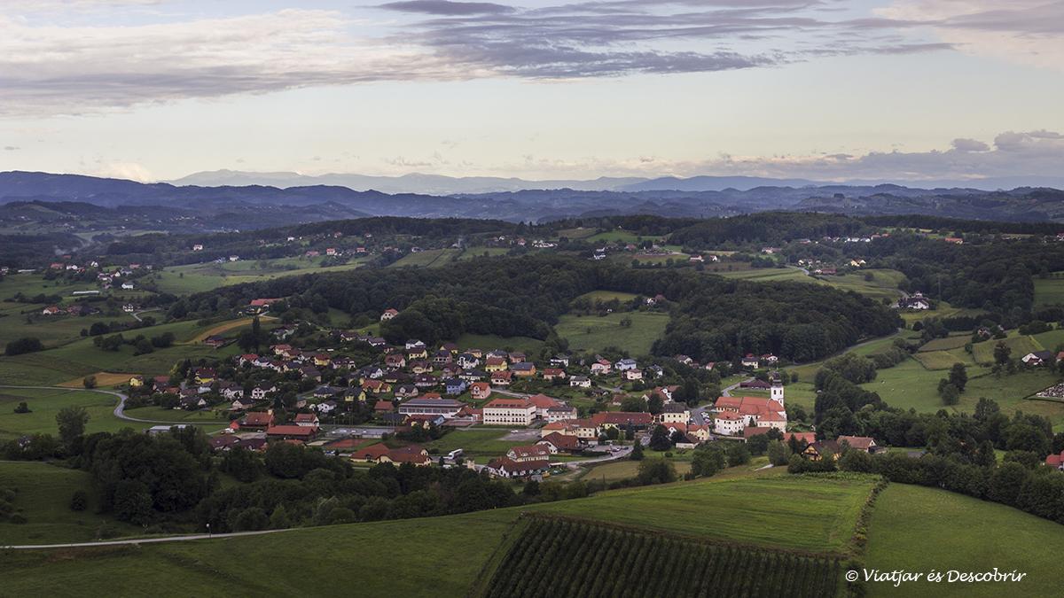 amanecer en el entorno rural de Maribor