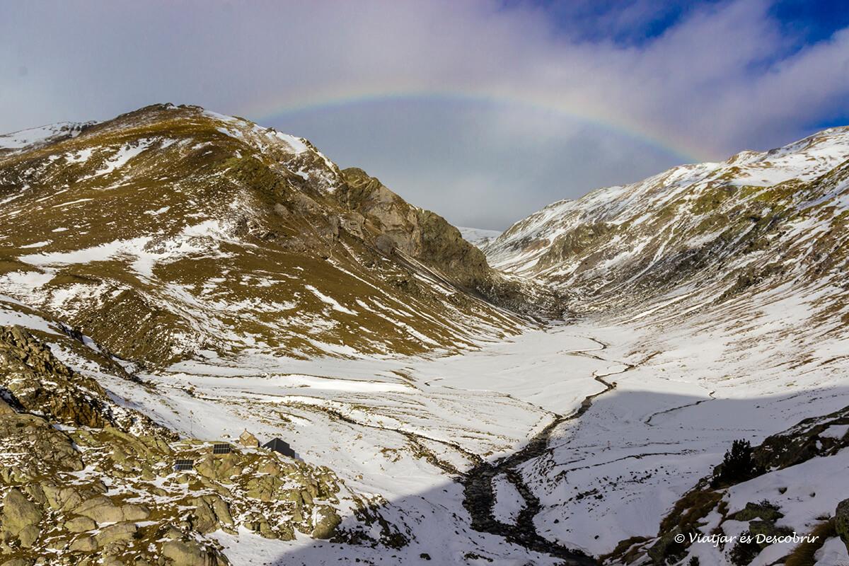 valle de coma de vaca con el refugio cerca de Queralbs