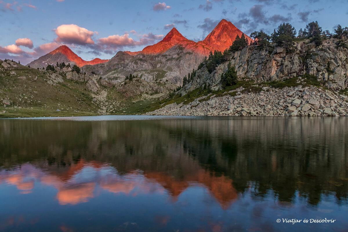 refugios pirineos cerca del lago de respomuso
