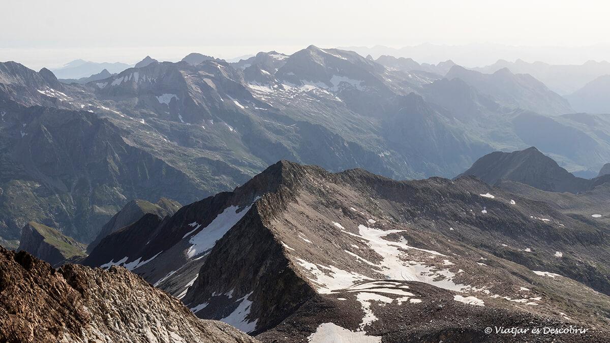 ascensión al posets panorámica desde la cima