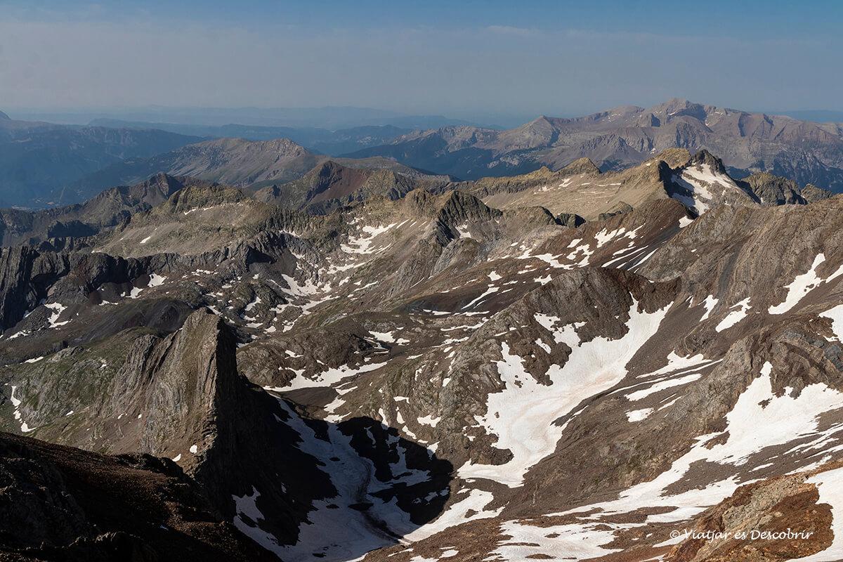 el posets es uno de los mejores miradores de los pirineos