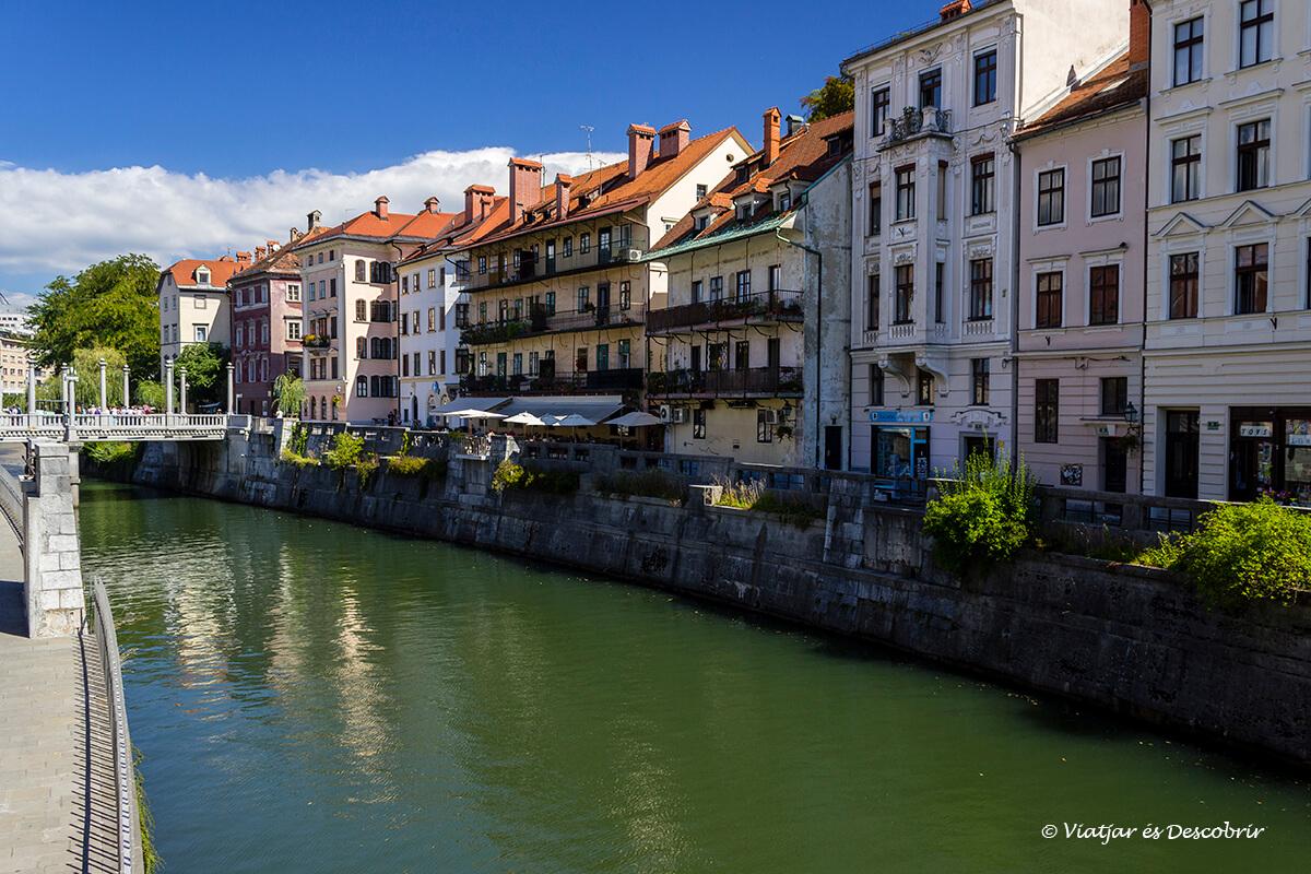 el río de ljubljana es un punto de partida ideal para ver la ciudad