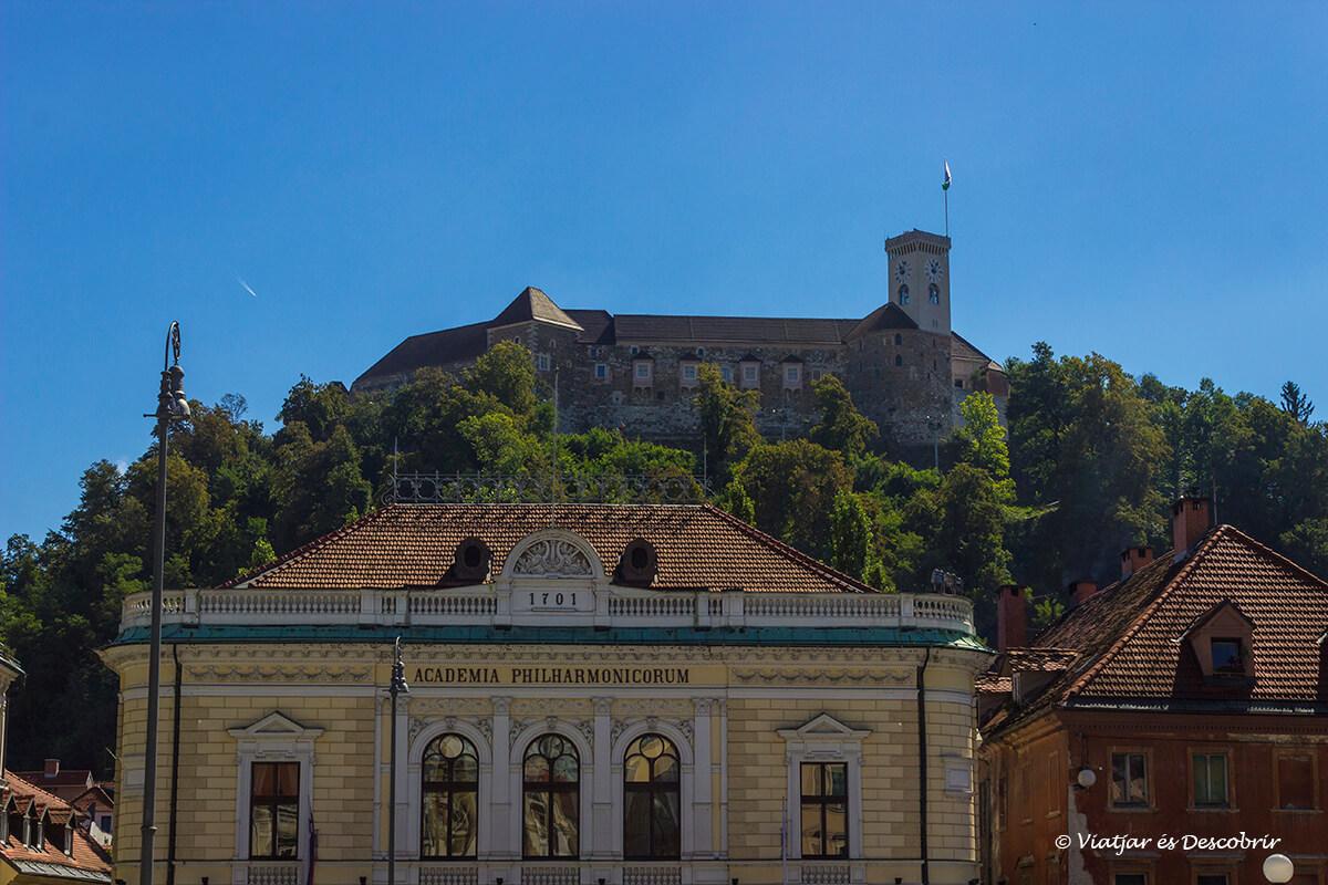 el castillo de Liubliana es un imprescindible a visitar